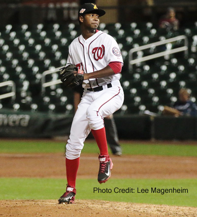 Yes, I know Santos pitched Thursday, but folks like Lee's pics!